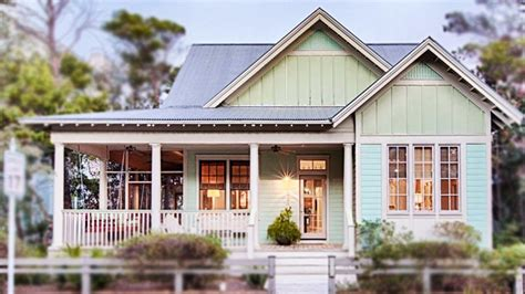 small cottage house designs charming cottage in florida beautiful small house