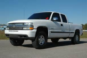 chevy silverado with country leveling kit