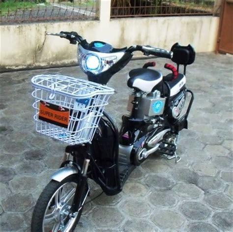 Sepeda Motor Listrik Eart Rider earth selis sepeda listrik kendaraan praktis bebas bbm mainan anak anak rider