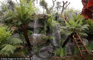 Backyard Landscaping Above Ground Pool First Ever Streaker At The Chelsea Flower Show Man Strips