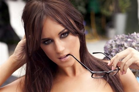 top 10 glamorous models of uk the hottest british models