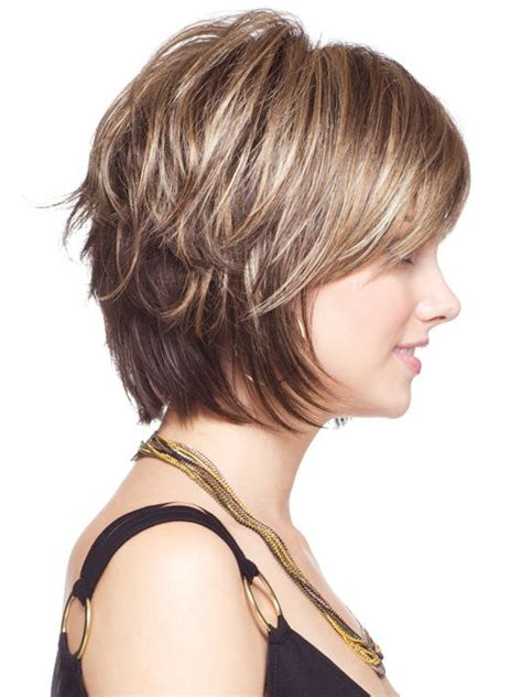 Best 25  Short layered haircuts ideas on Pinterest   Layered short hair, Short choppy layered