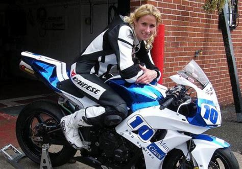 Motorradhelm Supersportler Test by Knockhill Bsb Tinmouth Returns To Supersport