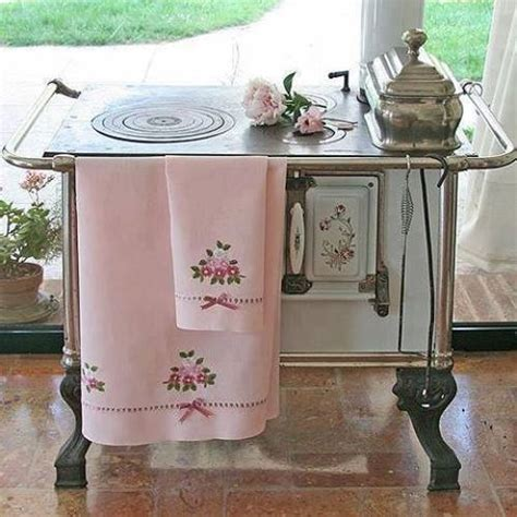 recycle kitchen appliances 20 ways to reuse and recycle old kitchen stoves for home