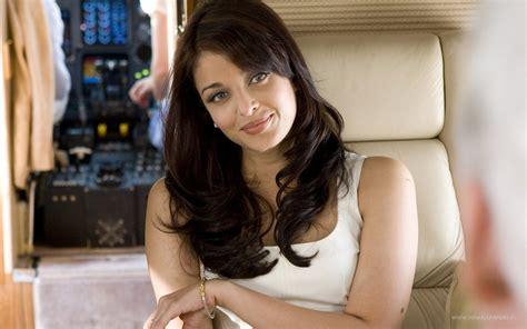 indian actress hd wallpapers indian actress widescreen auto design aishwarya rai actress bollywood wallpapers hd wallpapers