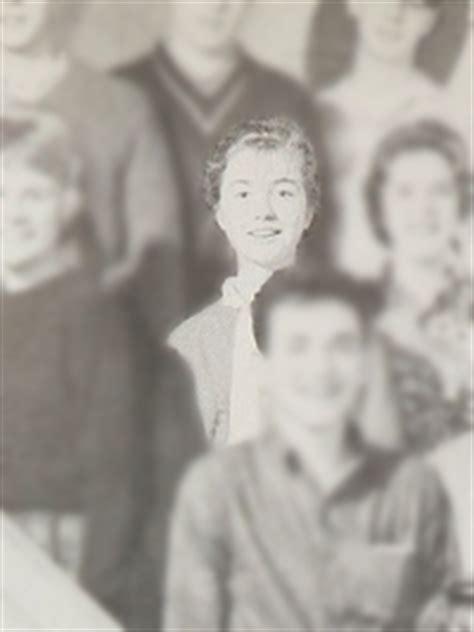 birthdate hillary clinton hillary clinton yearbook photo school pictures classmates