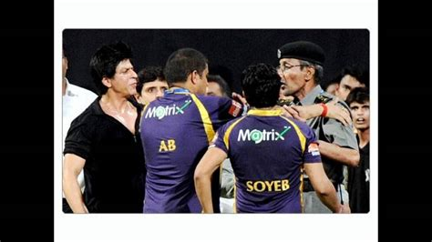 Shahrukh khan fight with Security Guard in Ipl match ...