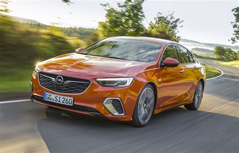 opel commodore 2018 2018 kia stinger gt vs 2018 holden commodore vxr pre