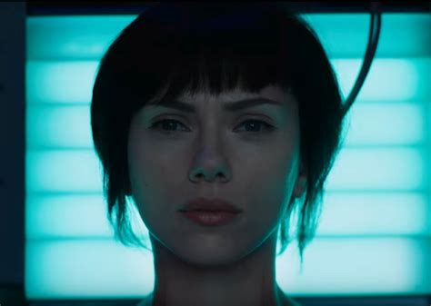 milla jovovich ghost in the shell why scarlett johansson s ghost in the shell remake is