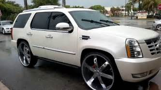 Cadillac Escalade On 30s Cadillac Escalade Sittin On 30s At C2c Rims Fort