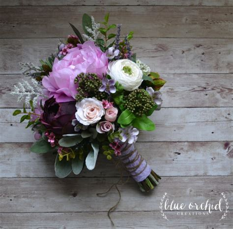 Premade Wedding Bouquets by 30 Pre Made Wedding Bouquets You Can Buy