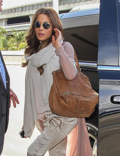 Kate Beckinsdale With Valentino Historie Purse by Just Can T Get Enough Kate Beckinsale And Givenchy