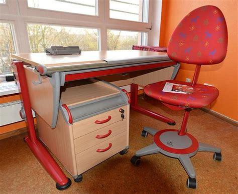 kinderschreibtisch stuhl kinderschreibtisch mit stuhl und container marke moll