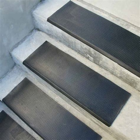 Outdoor Step Mats Rubber by Quot Safety Quot Rubber Stair Mats