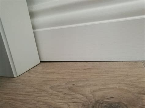 gap between skirting boards and laminate flooring home