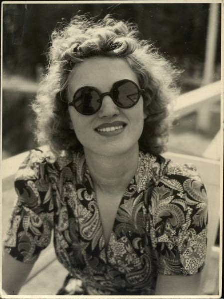 hairstyles for glasses for women in forties 114 best images about 1920s 40s beach pyjamas swimwear
