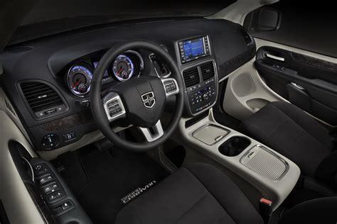 Dodge Caravan Interior by 2011 Dodge Caravan Details And Pictures Autotribute