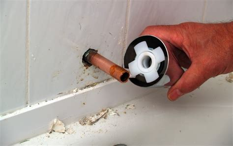 Fix Leaky Bathtub Spout by How To Replace Bathtub Faucet Maggiescarf