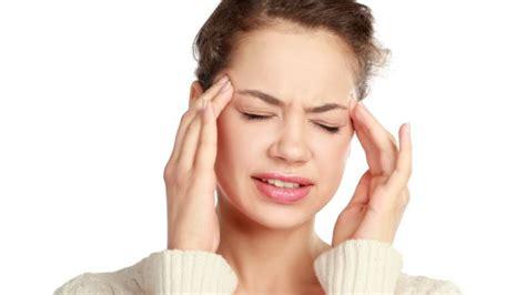come far passare il mal di testa come far passare il mal di testa con l automassaggio