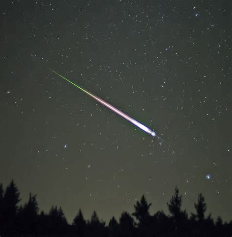 Meteor Shower Wiki file leonid meteor jpg wikimedia commons