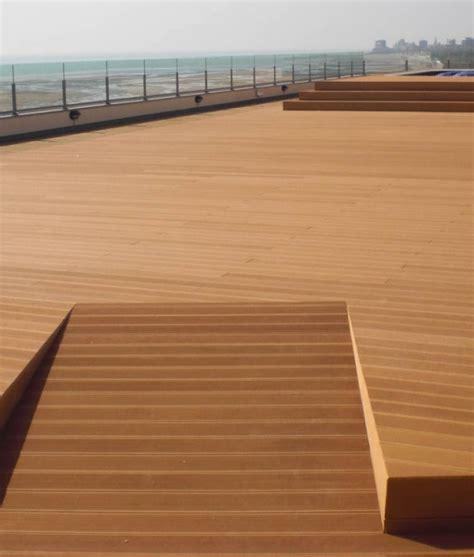 costo pavimenti in legno pavimento per esterni wpc alveolare costo al mq