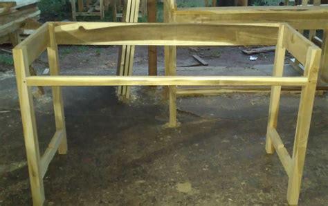 Meja Dan Kursi Untuk Komputer model empyakan meja untuk dipasang glodok dan daun meja