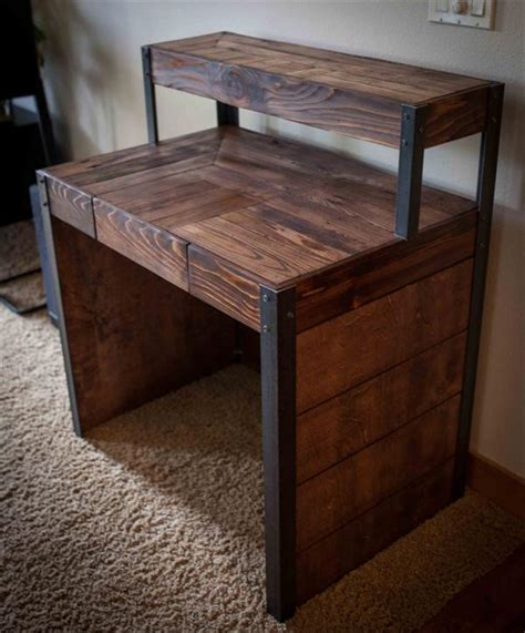 diy metal desk diy recycled wood pallet desk 101 pallets