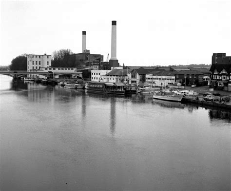 river thames boat project kingston file turk s boatyard and kingston power station river