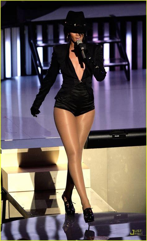 2007 Mtv Awards Performance Pics Celebamour by Chris Brown Rihanna S Vmas 2007 Performance Photo