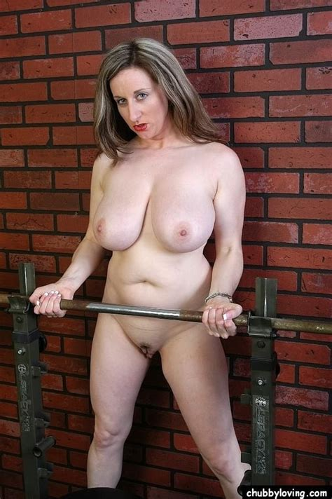 Chubby Loving Busty Milf Plumper Kitty Lee Spreading In Gym