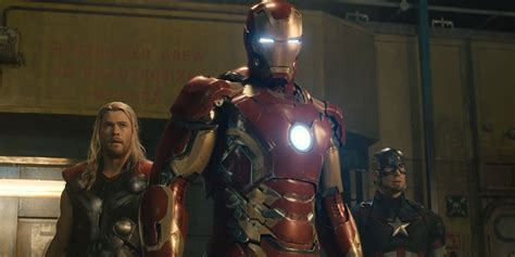 imagenes de wolverine vs iron man new look at iron man s avengers 4 arc reactor screen rant