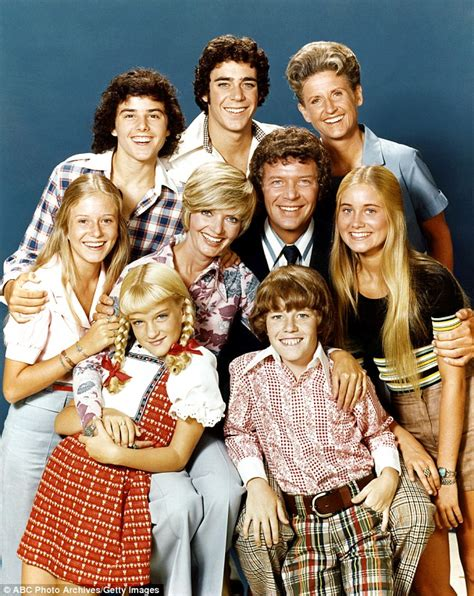 middle the family years 1969 1999 books brady bunch maureen mccormick breaks during