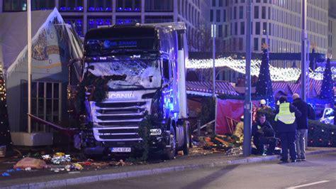 Auto Rast In Menschenmenge N Rnberg by Polizei Geht Anschlag Aus Lkw Rast In Berliner