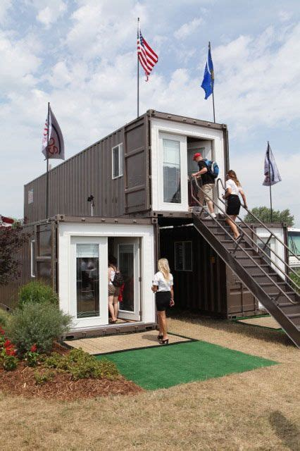 prefabricated floating house can be shipped worldwide m 225 s de 1000 ideas sobre 20ft container en pinterest