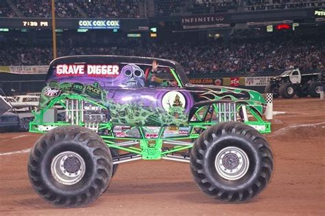 grave digger truck wiki grave digger 7 trucks wiki fandom powered by wikia