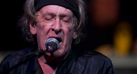 rock singer who just passed away 2016 jefferson airplane s paul kantner passes away at 74