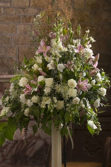 wedding flower arrangements photos 1000 images about church flower arrangements on