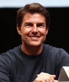 tom cruise eye color tom cruise measurements weight hair color eye color