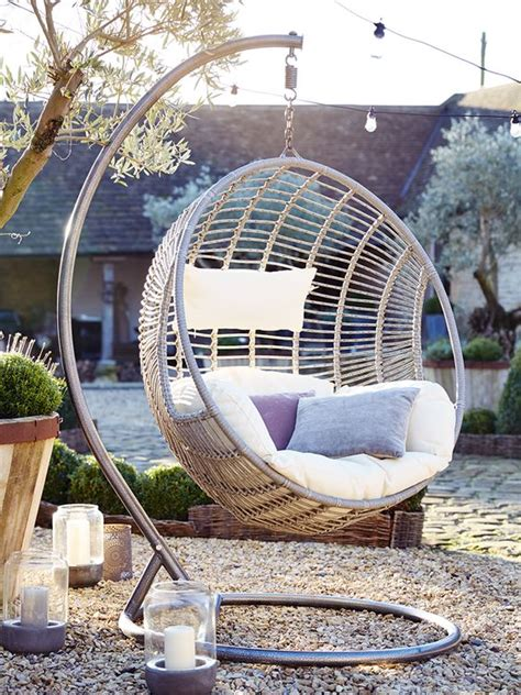 cool hanging chairs the coolest hanging furniture that everybody deserves to have