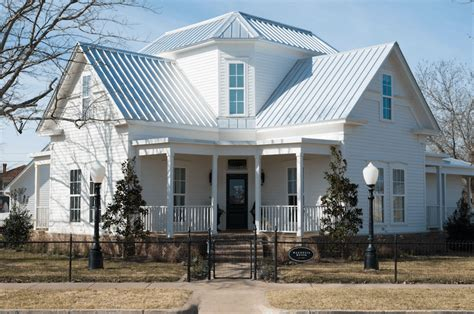magnolia house bed and breakfast waco tx homesdecorinfo chip and joanna gaines taking reservations for magnolia house