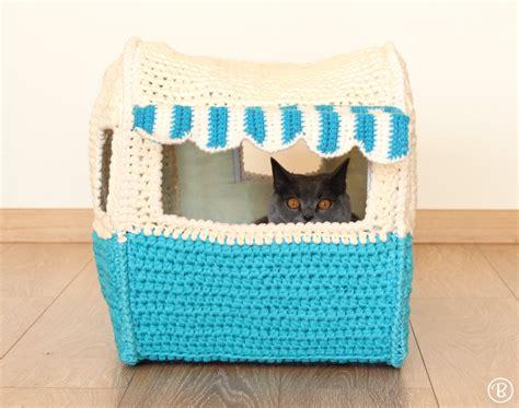 Win Win Crochet Cat Shape Hat pet house pattern on the road pet home buddyrumi