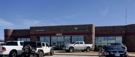 Okc Jeep Dealers Bob Howard Chrysler Jeep Dodge Ram 14 Reviews Car