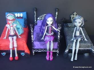 my froggy stuff doll house tour monster high doll blog fierce ghouls