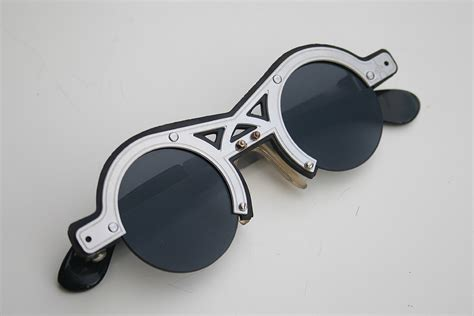 unique glasses hi tek silver metal sunglasses cult 14 unique hi tek webstore