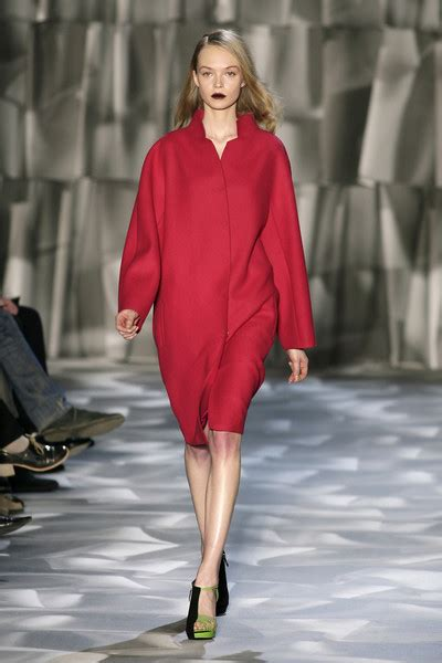 Moschino Cheap Chic 2009 From Milan Fashion Week by Moschino Cheap Chic Fall 2009 Runway Pictures Stylebistro