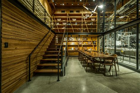 room reserve starbucks willy wonka coffee factory largest store opens in seattle reserve roastery