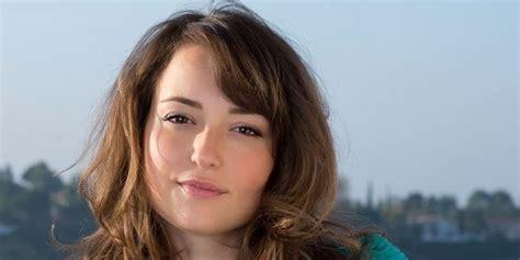 commercial actress salary milana vayntrub net worth 2017 2016 biography wiki