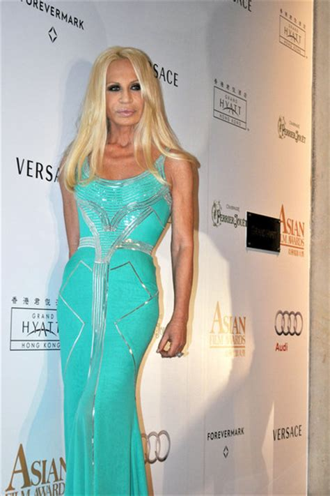 Donatella Says More Skirts by More Pics Of Donatella Versace Evening Dress 6 Of 14
