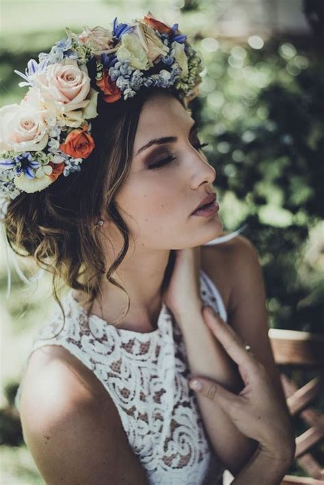 Wedding Hairstyles With Roses by 8 Wedding Trends For This Season Style Guides
