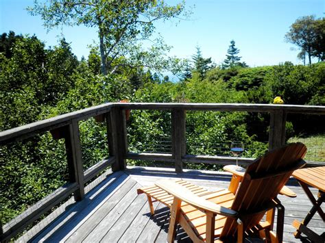 balcony in the forest new york review book books tree house mountain views wrap vrbo